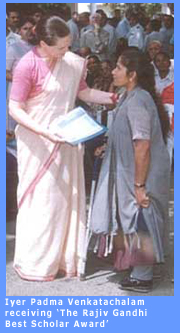 Picture of Iyer Padma Venkatchalam receiving 'The Rajiv Gandhi Best Scholar Award'