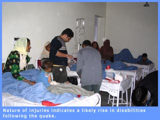 Picture of quake victims in a ward